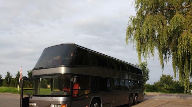 Ko star avtobus postane potujoči dom za štiričlansko družino (foto: osebni arhiv)