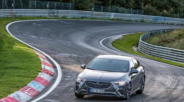 Nova Opel Insignia premagala predhodnico na Nürburgringu (foto: Opel)
