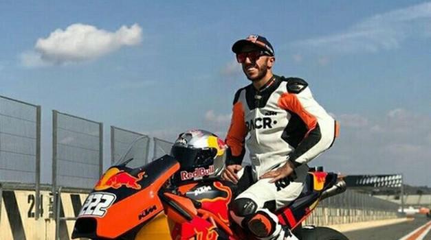 Cairoli zapeljal KTM-ov MotoGP dirkalnik preko 300 km/h (foto: KTM)