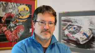 Marijan Pečar, avto-moto slikar iz Ljubljane: »Najlepši so Ferrariji iz šestdesetih in sedemdesetih.«