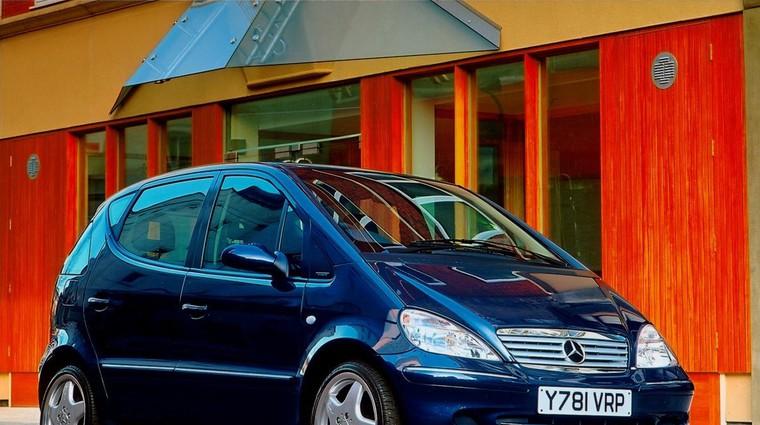 'Losov test', ki je skoraj pokopal Mercedesov razred A (foto: Daimler)
