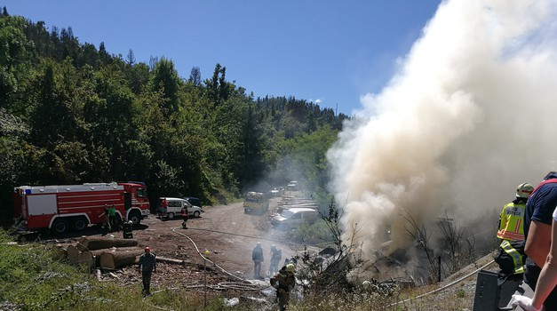 Kako so slovenski gasilci pripravljeni na gašenje požarov v električnih vozilih? (foto: Arhiv Gasilske zveze Slovenije)