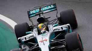 Lewis Hamilton za vrnitev V12 motorjev v formulo 1