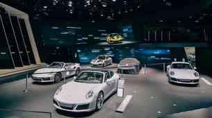 Porsche ostaja pri motorjih z notranjim izgorevanjem