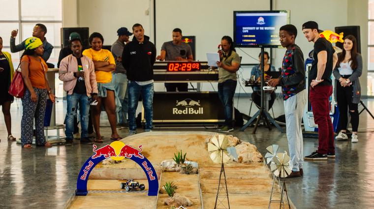 V Ljubljani in Mariboru: zmagovalec izziva Red Bull Desert Wings University Challenge gre na Dakar (foto: Red Bull Desert Wings University Challenge)