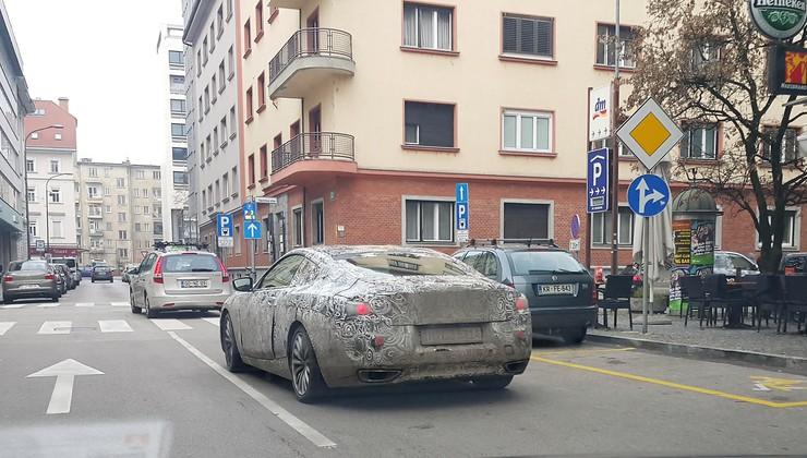 Opaženo v centru Ljubljane: zamaskiran BMW, verjetno Serija 8