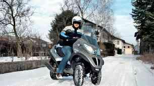 Motocikel in zima. Kako se voziti v snegu in mrazu?
