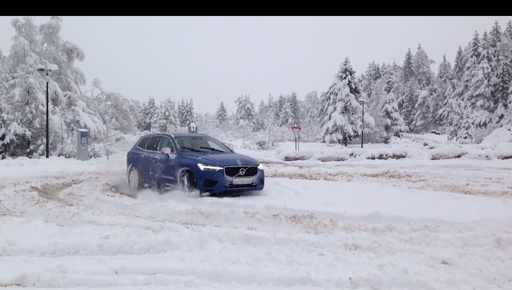 AM interno #12: v znamenju snega