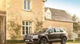Brez hibridnega križanca pač ne gre: Bentley Bentayga prihaja marca