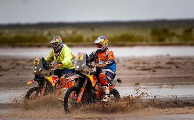 Dakar 2018-8: po 448 kilometrih je Mea in Brabeca ločilo 10 sekund, 9. etapa odpovedana