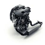 Motorji z notranjim izgorevanjem proti elektromotorjem: dvoboj še ni odločen (foto: Infiniti)