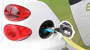 Raziskava KPMG: 'klasični' električni avtomobili niso prihodnost, a bodo ostali v proizvodnji