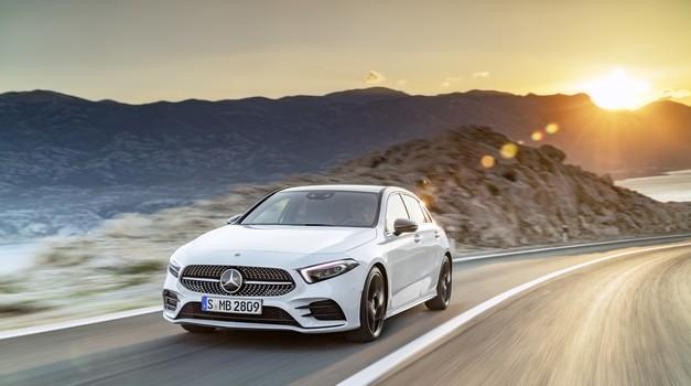 Pripeljala je četrta generacija Mercedesovega razreda A (foto: Daimler)