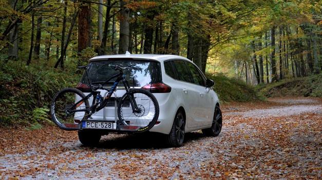 Podaljšani test: Opel Zafira 2.0 CDTI Ecotec Start/Stop Innovation - prtljažnik za kolesa Flex-Fix (foto: Urban Bat)