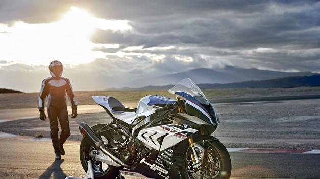 Bi preizkusili BMW HP4 Race v Valencii? Če se odločite za nakup, vrnejo stroške poti! (foto: BMW)