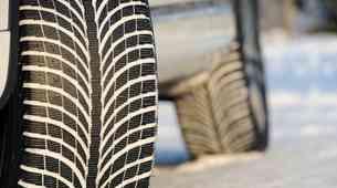 Z menjavo zimskih pnevmatik na letne je smiselno počakati