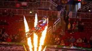 Monster Energy Supercross: Musquin kraljeval v Indianapolisu (video)