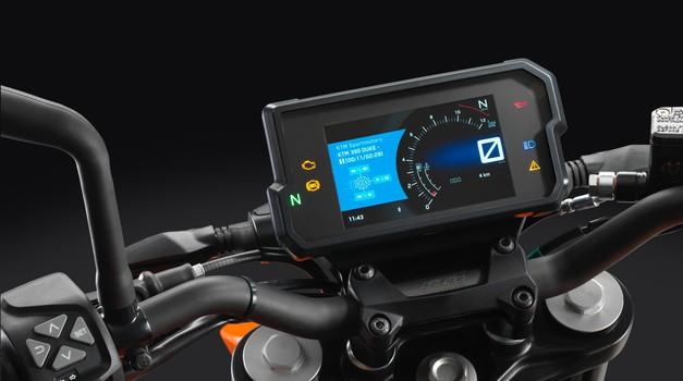 KTM My Ride na zaslonu prikaže tudi dohodne telefonske klice (foto: KTM)