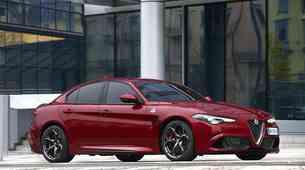 Alfa Romeo Giulia coupe naj bi naposled le prišla, pod pokrovom se bo skrivalo 641 'konjev'