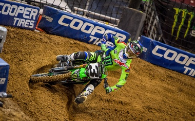 Monster Energy Supercross: Tomac do naslova trojne krone (video)