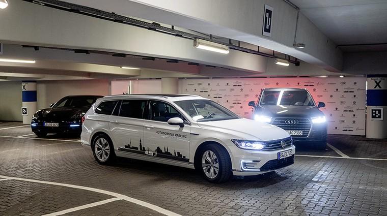 """Volkswagen: """"Avtonomno parkiranje bo še zmanjšalo stres med vožnjo"""" (foto: Volkswagen)"""