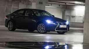 Na kratko: Lexus IS 300h Luxury