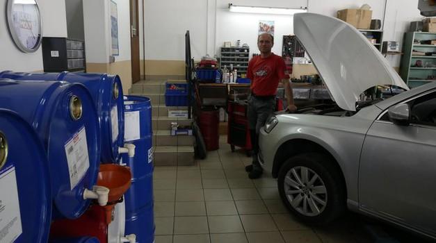 V Sloveniji imamo novi spletni orodji za lastnike avtomobilov (foto: Matija Janežič)