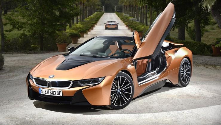 BMW i8 Roadster je zgoraj brezzz