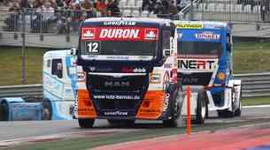 Bi želeli dostavljati dirkalne gume na dirke tovornjakov?