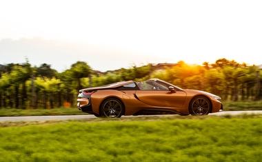 Novo v Sloveniji: BMW i8 Roadster in BMW M5