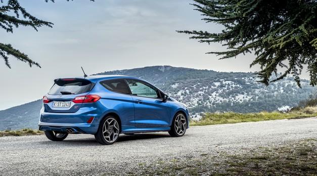 Novo v Sloveniji: Ford Fiesta ST in prenovljeni Ford Mustang (foto: Ford)