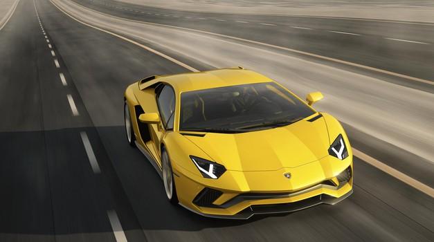 Lamborghinija ni prevzela vročica turbo motorjev (foto: Lamborghini)