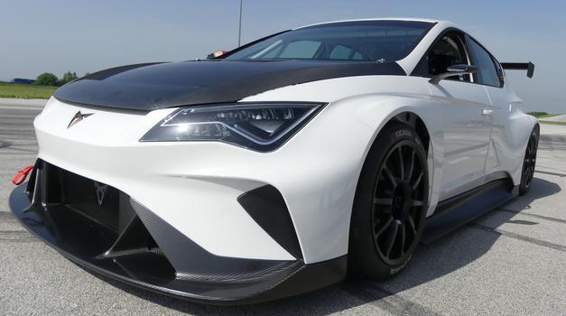 Video: Dirkalnik Cupra E-Racer opravil prva testiranja na Hrvaškem (foto: Newspress)
