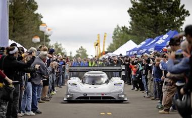 Volkswagen I.D. R je osvojil nov hitrostni rekord, tokrat na Festivalu hitrosti v Goodwoodu