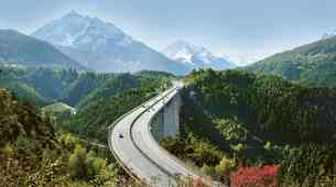 Z današnjim dnem na avstrijskih avtocestah najvišja dovoljena hitrost 140 kilometrov na uro