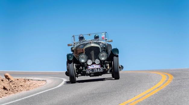 Epsko potovanje od Atlantskega do Tihega oceana z devet desetletij starim Bentleyjem (foto: Newspress)