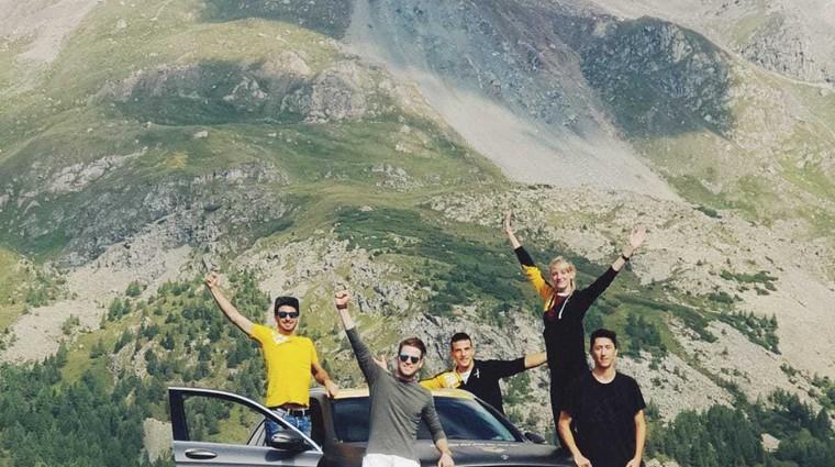Nagrajenci Dunlopovega izziva so se odpravili na pot proti Škotski (foto: Arhiv AM)