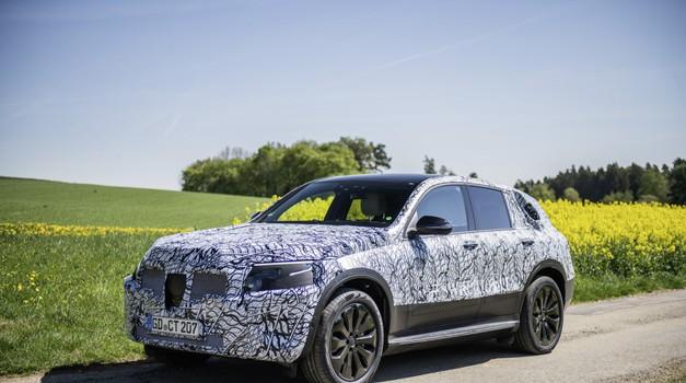 Mercedes-Benz delno razkril svoj prvi električni SUV (foto: Daimler AG)