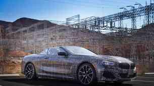 BMW serije 8 kabriolet se dobro znajde v Dolini smrti