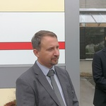 Minister za promet, dr. Peter Gašperšič, in direktor AVP, mag. Igor Velov, v Kranju prvošolce pospremila na poti v šolo (foto: Jure Šujica)