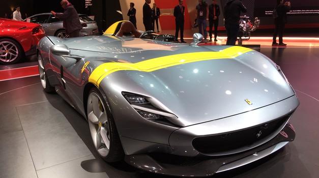 Pariz 2018: Ferrari je reinkarniral starodobne barchette (foto: Dušan Lukič)