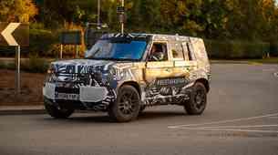 Razkrivamo: Land Rover že preizkuša novega Defenderja