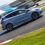 Vračamo se na Raceland: Seat Cupra precej hitrejši od Megana R.S. (foto: Saša Kapetanovič)