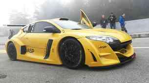 Renault poskrbel za dan grmenja na dirkališču Gaj