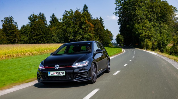 Kratki test: Volkswagen Golf 2.0 GTI Performance (foto: Saša Kapetanovič)
