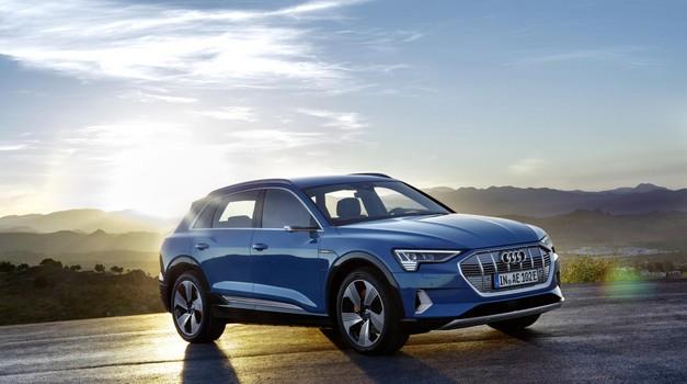 Kot se spodobi: predstavljamo Audija e-trona (foto: Audi)