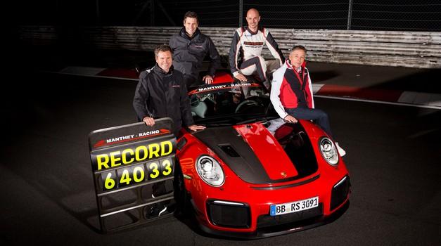 Video: Porsche 911 GT2 RS znova vzel primat na Nürburgringu (foto: Porsche)