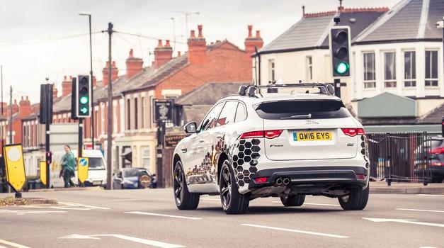 Jaguar in Land Rover skupaj v boj proti prometnim zamaškom (foto: Jaguar)
