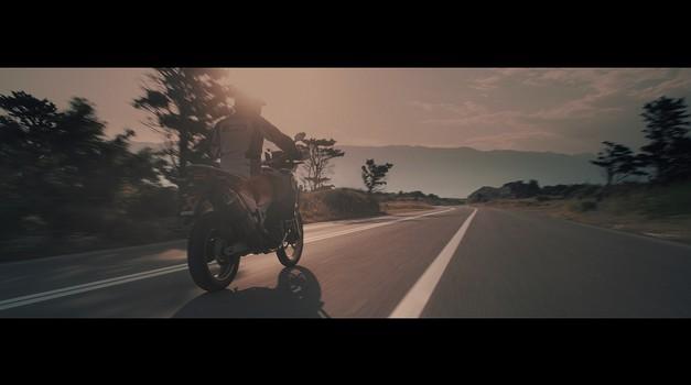 Video: Akrapovičev poklon enduro motociklom (foto: Akrapovič)