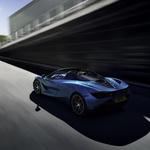 McLaren 720S Spider je kabriolet, ki gre tudi brez strehe več kot 320 kilometrov na uro (foto: McLaren)